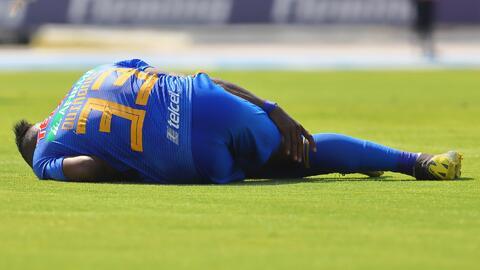 Asegura 'Tuca' que las noticias sobre la lesión de Julián Quiñones no son alentadoras