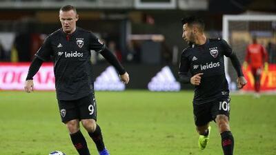 Dupla 'Lucho-Roo' regresa ante 'la Franja': Rooney y Acosta serían titulares ante Puebla