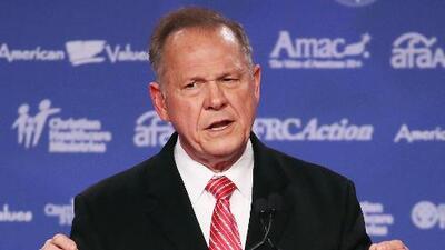 Como una maniobra política califica Roy Moore las recientes acusaciones de abuso sexual en su contra