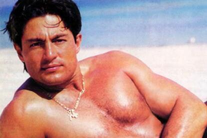 Resultado de imagen para Fernando Colunga en la playa