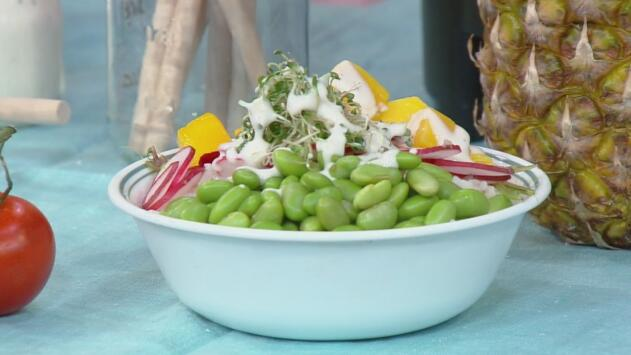"""Te presentamos la receta para preparar una deliciosa ensalada """"mangohuate"""""""