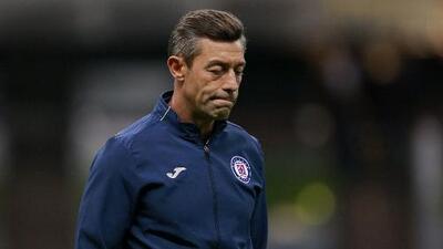 Números de Pedro Caixinha tras 49 partidos dirigidos en Liga y Copa MX con Cruz Azul
