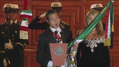 Enrique Peña Nieto lanza el grito de independencia desde el Zócalo de México