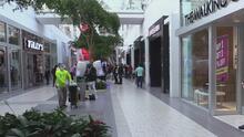 Viernes Negro: con mascarillas y otras medidas, así asistieron residentes a realizar sus compras