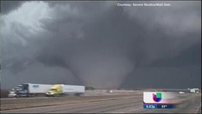 Caos en Illinois por tornado EF-4