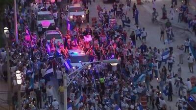 Multitudinaria marcha de nicaragüenses, en Miami, que piden la salida de Daniel Ortega de la presidencia