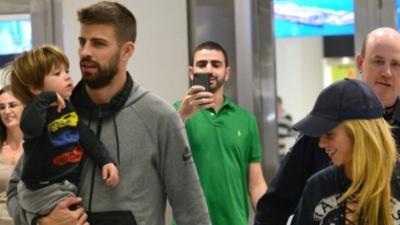 Tras sufrir un accidente con sus niños, Shakira y sus papás acuden a un hospital en Barcelona