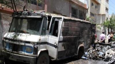 Fuerzas sirias cañonean Homs, mientras aumenta la presión internacional