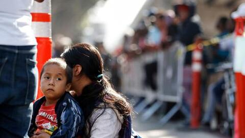 """La detención prolongada causará """"daños profundos"""" a los migrantes, advierten organizaciones"""