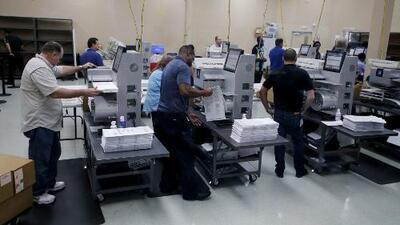 ¿Llegará el condado de Broward a contar todos los votos antes de que venza el plazo?