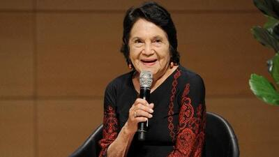 """""""El voto latino decidirá los resultados de las elecciones"""" dice activista Dolores Huerta"""