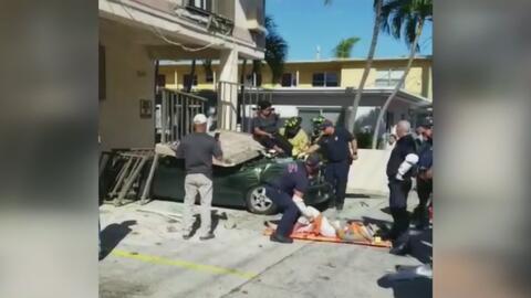 Cuatro personas resultaron heridas al caer de un balcón que colapsó en Miami Beach