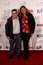 De alfombra roja con Los Tigres Del Norte en El Palmer Event Center en Austin, TX