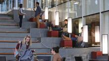Lanzan programa de asesoría para ayudar a universitarios a tomar mejores decisiones financieras y a que paguen sus préstamos