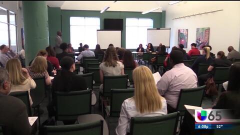 Alcalde de Filadelfia pide disolver la comisión para la reforma escolar