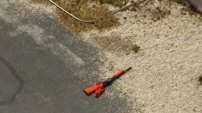 Tiroteo en Dania Beach deja herida a una mujer que al parecer estaba armada y hay un oficial involucrado