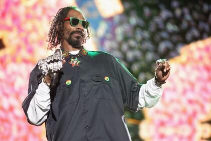 Snoop Dogg ha hecho otras referencias a la música mexicana en sus redes sociales, incluso a los corridos de bandas como los  <b>BuKnas de Culiacán</b>.