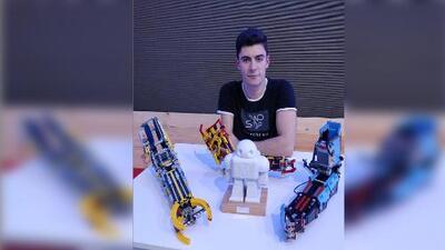 Conoce a David Aguilar, el joven que fabrica con Legos sus propias prótesis para el brazo
