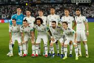 Soccer Football - Club World Cup - Final - Real Madrid v Al Ain - Zayed Sports City Stadium, Abu Dhabi, United Arab Emirates - December 22, 2018 Real Madrid players pose for a team group photo before the match REUTERS/Andrew Boyers