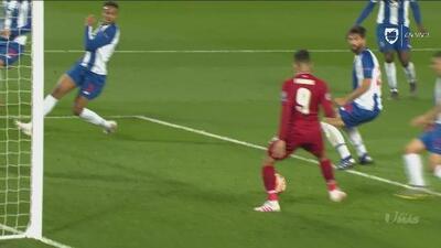 Con pase a la red, Firmino hace el 2-0 de Liverpool que está bailando al Porto