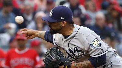 El relevista mexicano Sergio Romo abrió un partido de MLB por primera vez