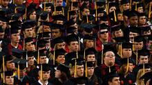 Los latinos en EEUU que acceden a educación superior están contribuyendo al desarrollo económico del país