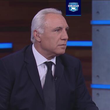 Hristo Stoichkov respalda a Koeman y pide su continuidad en el Barça