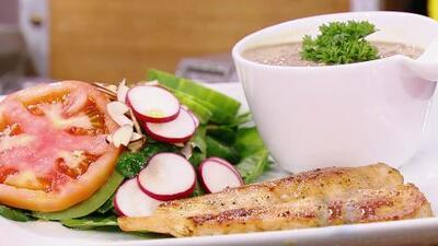 Comienza el #Reto28 con esta saludable receta: pechuga de pollo con ensalada y guarnición