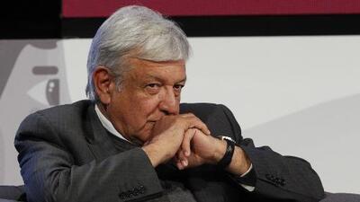 A pocos días de que asuma la presidencia, disminuye la popularidad de Andrés Manuel López Obrador