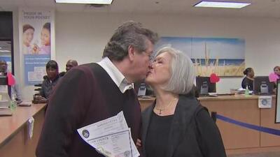 Tras más de dos décadas de noviazgo, esta pareja hispana contrae matrimonio en San Valentín