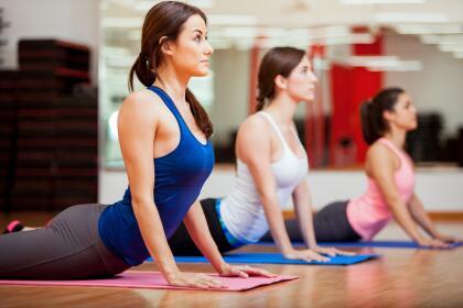Les recomendamos practicar yoga, es el deporte ideal para desenvolver la mente sin olvidar el mantenimiento físico. También inténtalo con pilates, puedes obtener los mismos resultados.<br>