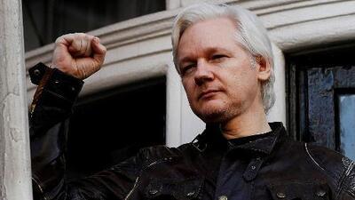 Fiscalía de Suecia pide una orden de detención contra Julian Assange