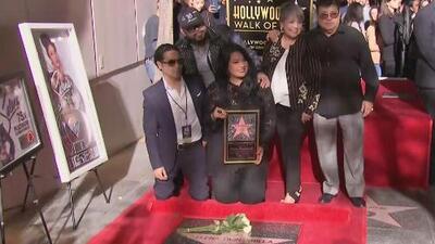 """""""La extrañamos"""": cientos de fans acuden a la develación de la estrella de Selena en Hollywood"""