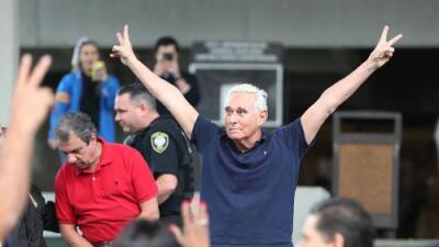 """""""Esto le hace daño al presidente"""": cómo impacta a Trump el arresto de su amigo y exasesor Roger Stone"""