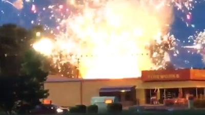 Explosión de fuegos artificiales en almacén de las Carolinas