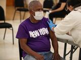 Confirman que unos 900 neoyorquinos fueron vacunados con dosis vencidas de Pfizer