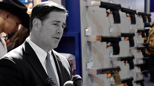 """""""Santuario de la Segunda Enmienda"""": Ducey firma proyecto que se opone a restricciones en el control de armas"""