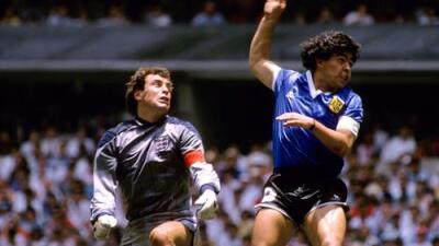 """El línea de la 'Mano de Dios': """"Maradona enterró mi carrera"""""""