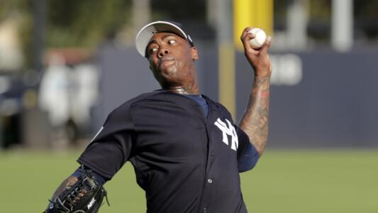 Chapman vence al COVID-19 y lanza en triunfo de los Yankees