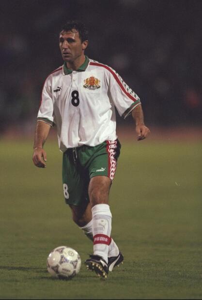 Hristo Stoichkov (Bulgaria) - El máximo ídolo del fútbol búlgaro hizo gala de su calidad en el CSKA Sofia y el Barcelona. Además, fue el líder de la Selección en los Mundiales del 94 y 98.