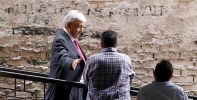 El partido de López Obrador, multado por operar irregularmente un fideicomiso para damnificados del sismo en México