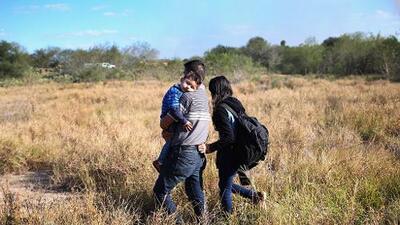 El gobierno de Trump comienza a multar a inmigrantes indocumentados por hasta $500,000