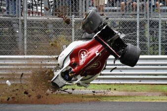 En fotos: Marcus Ericsson, ileso de un aparatoso accidente en las pruebas libres de Monza