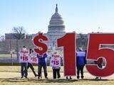 La idea de subir el salario mínimo a $15 quedó definitivamente fuera del paquete de estímulo