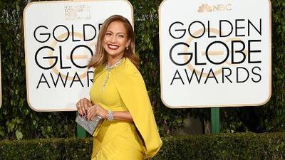 ¡Mejor y peor vestidos! Jennifer Lopez y Gina Rodríguez, ¿Quién lució mejor?