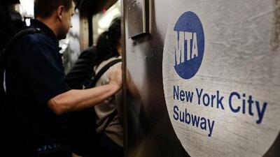 MTA estudia prohibir varios tipos de comida en el metro de Nueva York