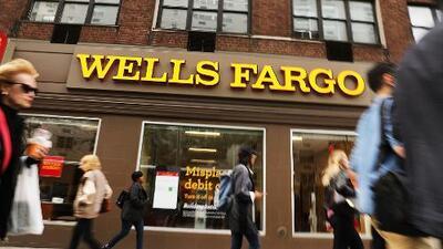 Multa récord de $1,000 millones para Wells Fargo: prácticas ilegales usadas por empleados afectaron a clientes