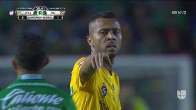 Tiro desviado de Rafael Carioca