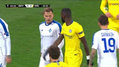 Tiro de esquina para Dynamo Kyiv