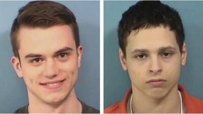 Cuatro jóvenes son acusados de hacerse pasar por policías y pedir información en varias casas del condado de DuPage